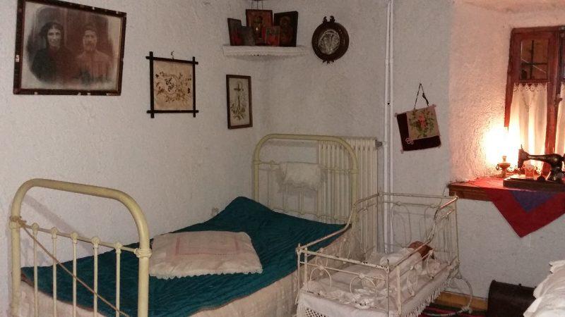 Λαογραφικό Μουσείο Στεμνίτσας : Παραδοσιακό υπνοδωμάτιο.