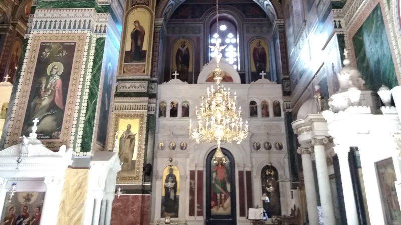 Άποψη του ενός παρεκκλησίου εντός του ναού.