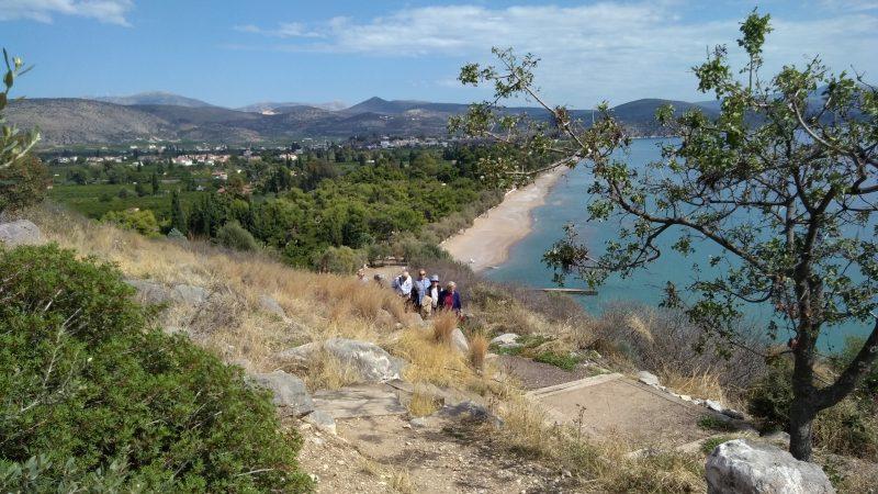 Άποψη της παραλίας του Δρεπάνου από την ακρόπολη.